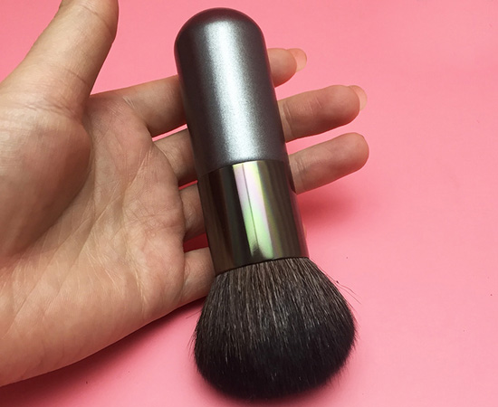 wooden Handle Loose Powder Brush
