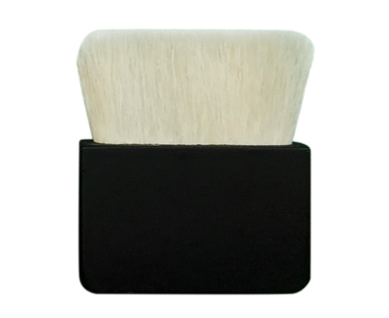 Goat hair foundation brush